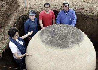 Esféricas piedras de Diquís