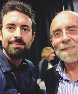 Álvaro Martínez, autor de las fotografías, junto a Enrique de Vicente