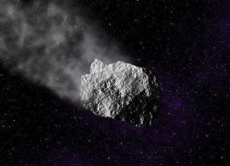 Decenas de miles de meteoros de más de 10 gramos de material caen a la Tierra cada año , aunque la gran mayoría caen sobre regiones rurales o oceánicas muy alejadas de la observación humana directa.