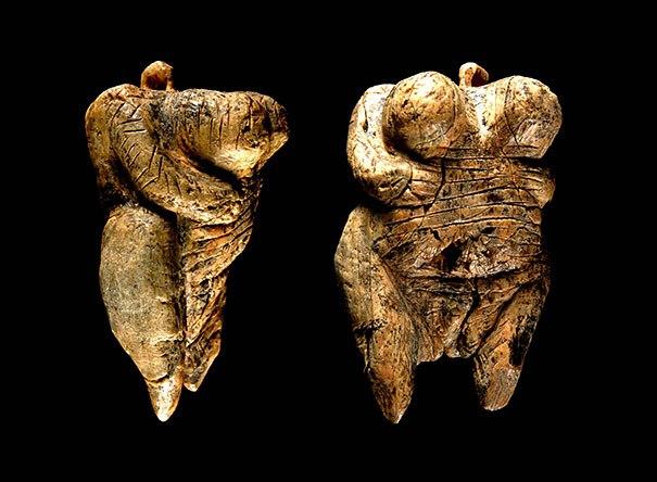 Nada más y nada menos que entre 35 y 40 mil años de antigüedad tiene la Venus de Hohle, la estatua con figura humana más vieja del planeta.