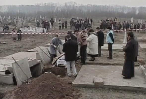 Cementerio de Marotinu de Sus durante el juicio