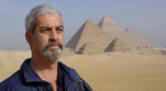 Manuel José Delgado ha podido realizar un importante trabajo de investigación, siendo UNA DE LAS 5 ÚNICAS PERSONAS QUE HA RECORRIDO TODO EL INTERIOR DE LA GRAN PIRÁMIDE, por pasadizos, pozos y cámaras cerradas no sólo al público sino también a los arqueólogos. Y también es EL UNICO REALIZADOR DEL MUNDO QUE TIENE GRABACIONES DE TODO EL INTERIOR DE LA GRAN PIRÁMIDE (Cámaras de Descarga, Pozo, Gruta natural, Túnel de Davison, Canal Vyse, etc.).